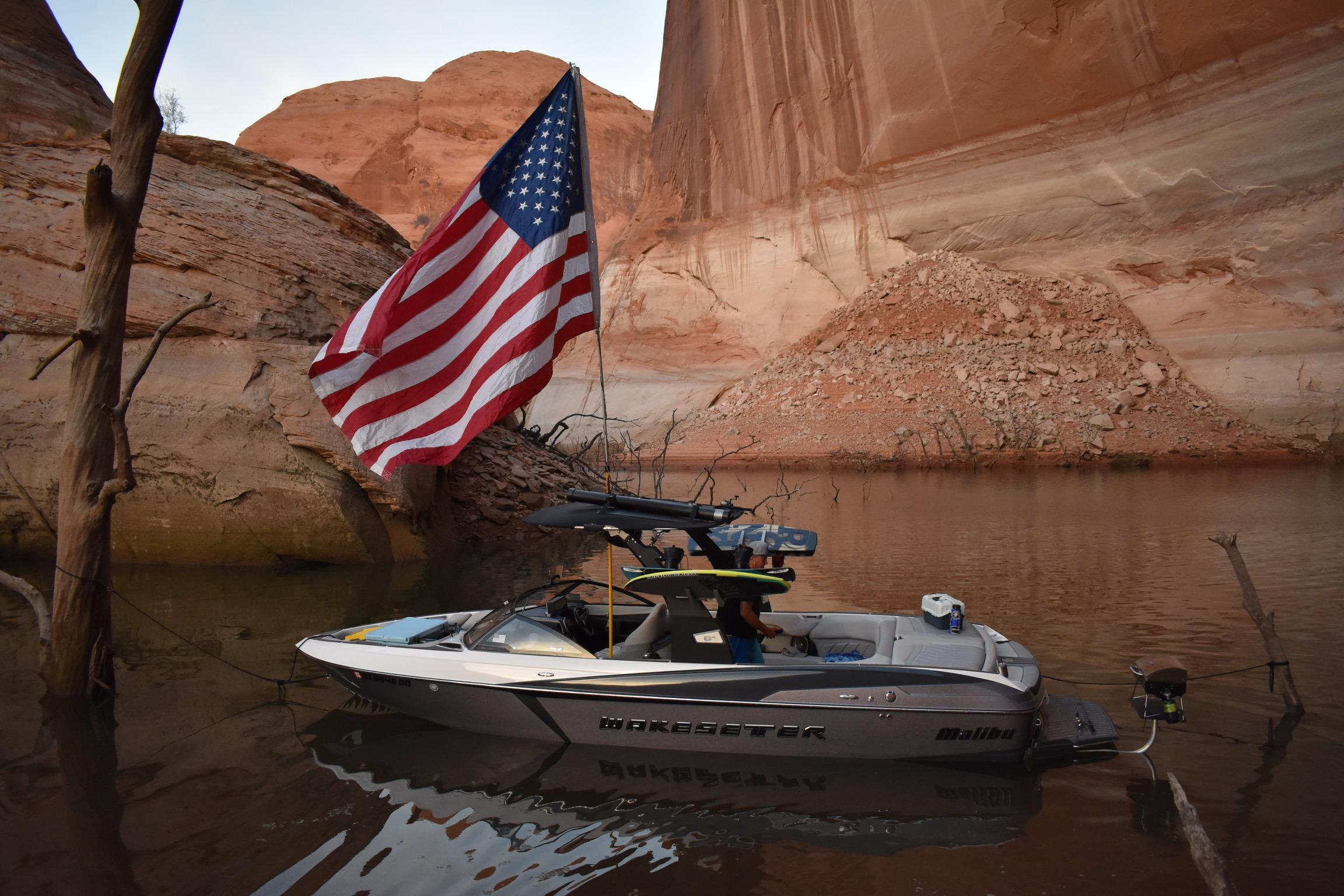 american flag boating